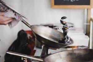 自炊男子がオススメする鉄のフライパン:それぞれのフライパンの特徴【毎日更新228】